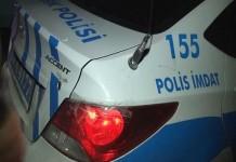 TEM Otoyolu'nun Gaziosmanpaşa mevkiinde silahlı saldırıya uğrayan polis otosuna 7 mermi isabet ettiği belirlendi. Emniyet kaynaklarından alınan bilgiye göre, Trafik Denetleme Şube Müdürlüğü'ne bağlı 34 A 4177 plakalı eskort polis aracı, TEM Otoyolu'nun Gaziosmanpaşa Avrupa Konutları mevkiinde Edirne yönüne doğru seyir halindeyken silahlı saldırıya uğradı. Aracı kullanan polis memuru saldırı anında hızla olay yerinden uzaklaştı. Olayda ölen veya yaralanan olmadı. Yapılan incelemede, polis otosuna 7 merminin isabet ettiği belirlendi.