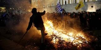 Çiftçi Ateşi Atina'yı Yaktı!