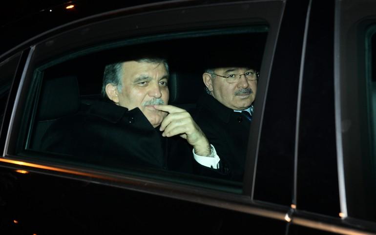 Abdullah Gül, Arınç'ın Evinde Muhaliflerle Görüştü