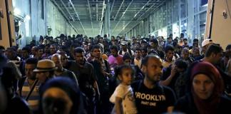 Almanya'da Sığınmacı Şoku! 130 Bin Sığınmacı Kayıp!
