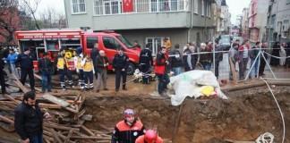 Bakırköy'de Bina Çöktü, Bursa'da İnşaatta Göçük!