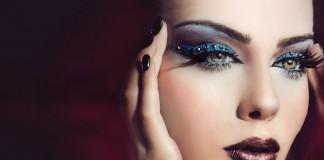 Kadınlar Göz Mayajı Yaparken Nelere Dikkat Edilmeli?