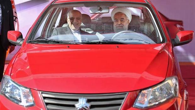 İran, Yeni Yerli Otomobilini Tanıttı!