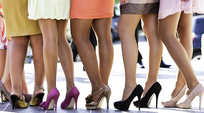 Kadın Çalışanlara Kısa Etek Yasak!