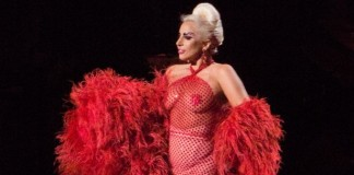Lady Gaga'nın Bornozu Denizli'den!