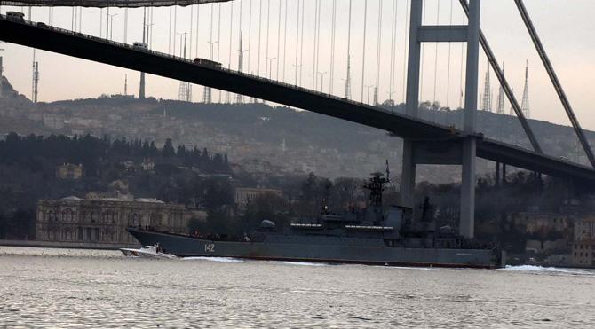 Rus Gemisi'ne Boğaz'da Yakın Markaj!