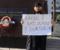 Avukat cübbesini giydi ve tek başına eylem yaptı:Kadın cinayetlerini durdurun