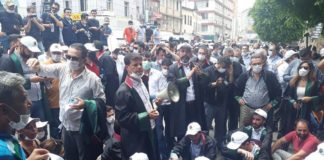 Adana'da eylem yapan avukatlara polis müdahalesi