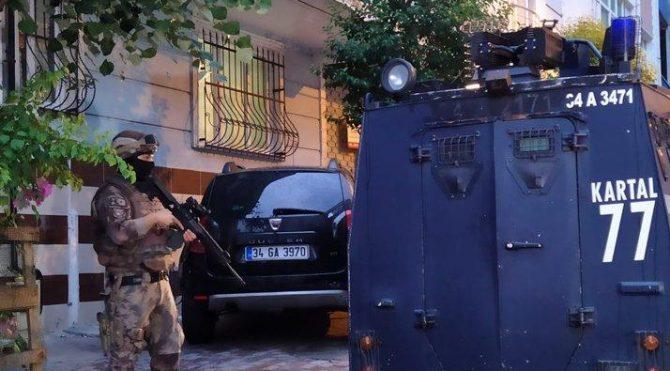 İstanbul merkezli üç ilde 'zehir tacirlerine' şafak operasyonu