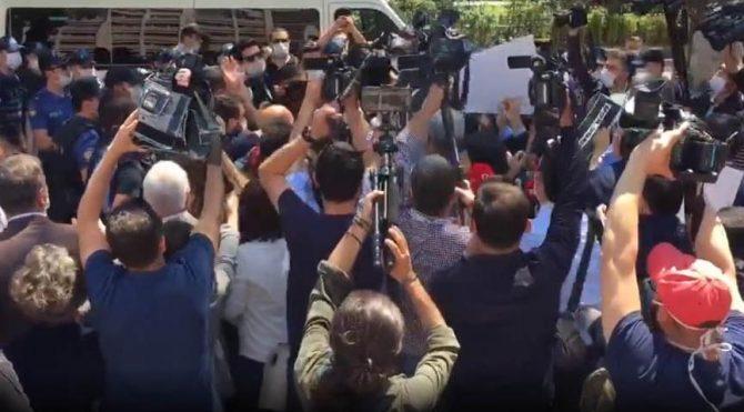 Kızılay'a yürüyen HDP'li vekillere polis müdahalesi