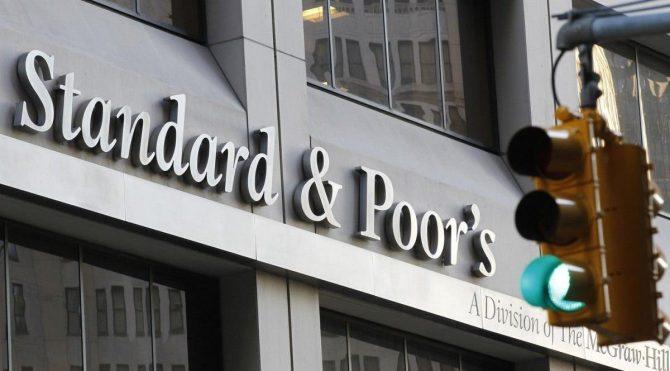 S&P Türkiye'ye sorunlu kredi uyarısında bulundu