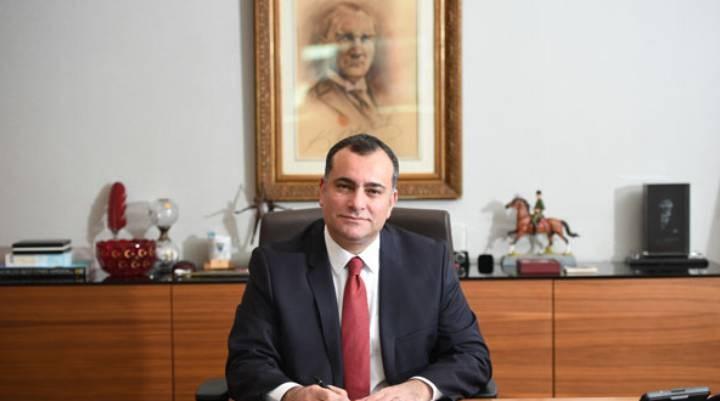 Çankaya Belediye Başkanı Alper Taşdelen, makam aracını satışa çıkardı