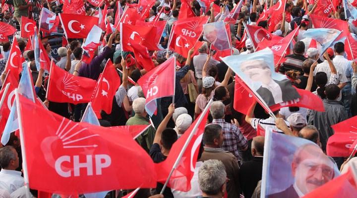 CHP Korkuteli ilçe yönetimi, usulsüz para topladığı gerekçesiyle görevden alındı