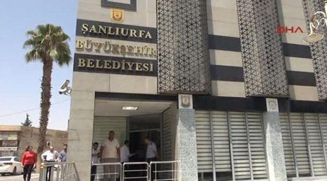 CHP'li Mahmut Tanal AKP'li belediyenin usulsüzlüğünü 'Uyan Urfam' diyerek duyurdu