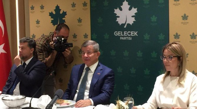 Ahmet Davutoğlu: Çay dağıtmak için miting yapmıyoruz