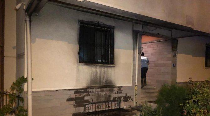 Babasıyla tartışan genç, benzin döküp evi yaktı