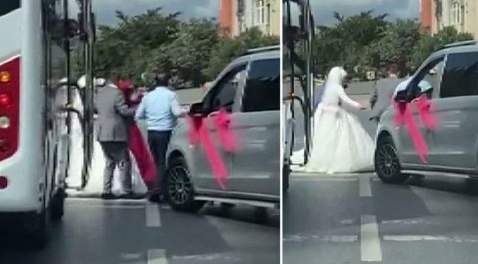 Düğün konvoyuyla yol kesip halay çektiler!