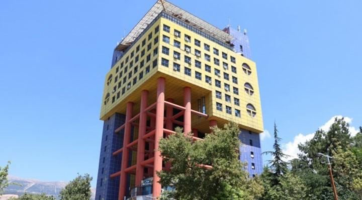 Maraş'ta bulunan 'Dünyanın en saçma binası' yıkılacak