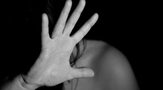 Suriye'li görme engelli adam karısını defalarca bıçakladı