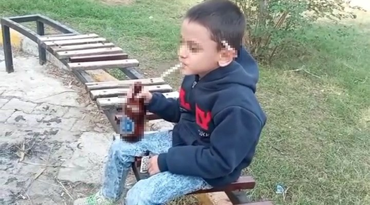 6 Yaşındaki çocuğun eline içki sigara veren gençler gözaltına alındı