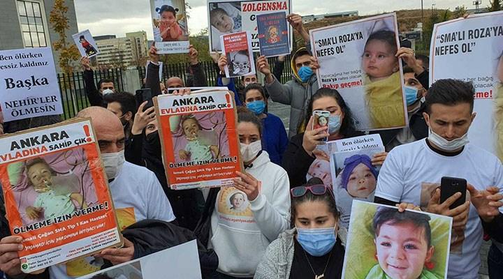 SMA hastalarının aileleri Sağlık Bakanlığı önünde eylem yaptı