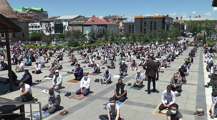 Erzurum'lular cuma namazını spor salonlarında kılacak