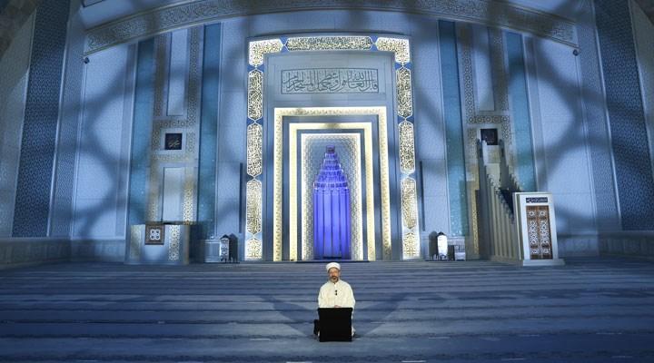Diyanet İşleri başkanı Erbaş: Batı merkezli yeni dünya, insana varoluşun gayesini kaybettirdi