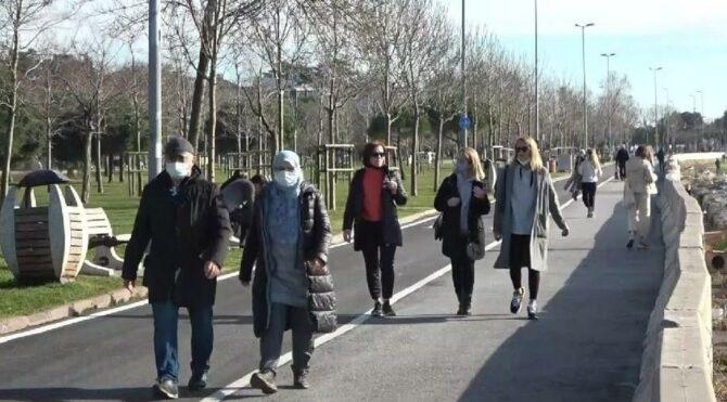 Güneşi gören İstanbullular yasakları unuttu