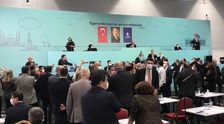 İBB Meclis toplantısında gerginlik: CHP'li üyeler salonu terk etti