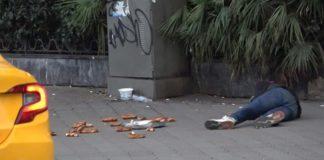 İstiklal Caddesin'de bayılma numarası yapan dolandırıcı gözaltına alındı