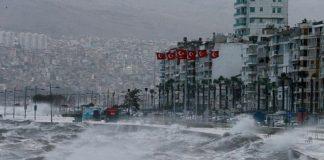 Meteoroloji'den İzmir için fırtına uyarısı: 'Sahil bandına yakın yerlerde bulunmayın'