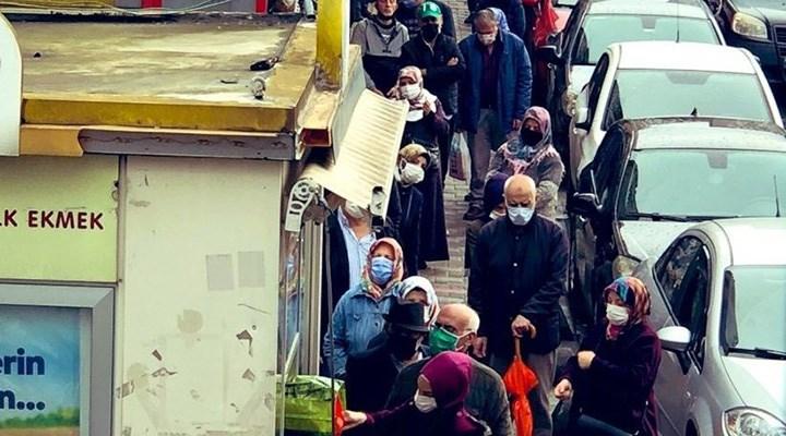 Vatandaşın Halk Ekmek önünde kuyruk çilesi