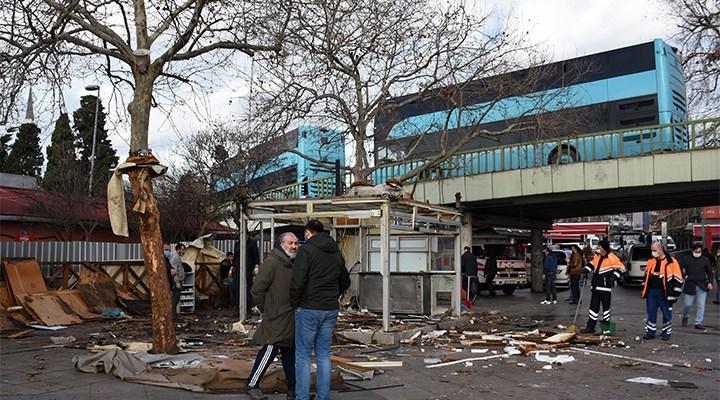 Beşiktaş İskele Meydanı'ndaki işletmeler kaldırma çalışmaları başladı