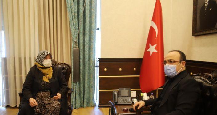 Cumhurbaşkanı Erdoğan'a 'Açım' diye seslenen kadın: Allah benim ömründen alsın, onunkine versin