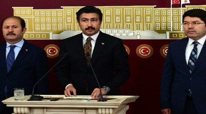İfadeleri tepki toplayan AKP'li Özkan'dan bir anayasa açıklaması daha