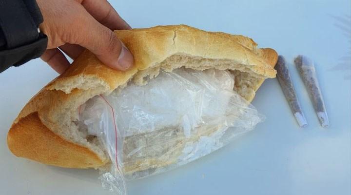 Şüphe üzer,ne durdurulan araçtan 'ekmek arası metamfetamin' çıktı