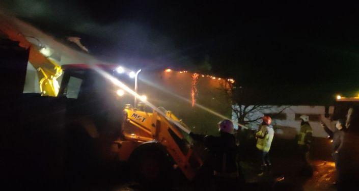 Bursa Yenişehir'de tavuk çiftliği yandı: 1500 tavuk telef oldu