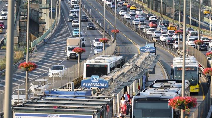İstanbul'da sağlıkcılara ücretsiz ulaşım hakkının süresi uzatıldı