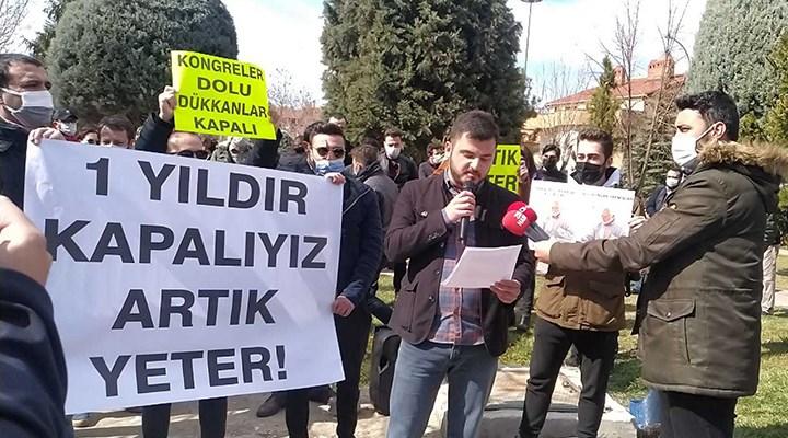 """Konya esnafından yeni eylem: """"Virüs sadece Konya'da mı?"""""""
