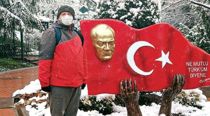 """Turgut Altınok: """"Andımızı haykıra haykıra söylememiz lazım. Türk'üm, demekten kim gocunur,''"""