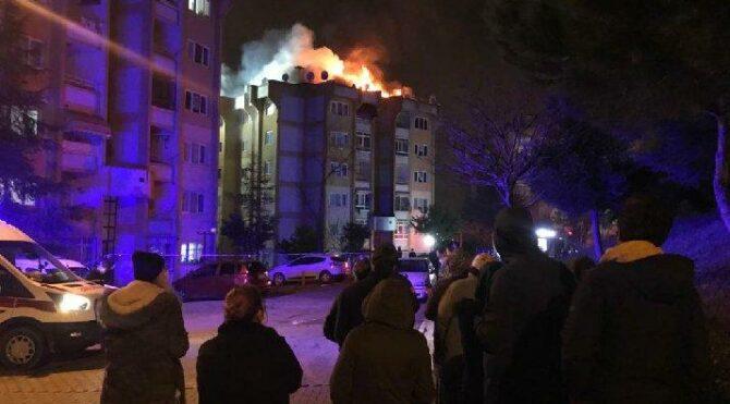 Ailesiyle tartıştı, oturduğu çatı katını ateşe verdi:''Evi yaktım itfaiyeyi arayın''