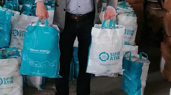 AKP'li belediye, dağıtmadığı deprem yardımlarını 6 ay saklayıp Ramazan kolisi yaptı!