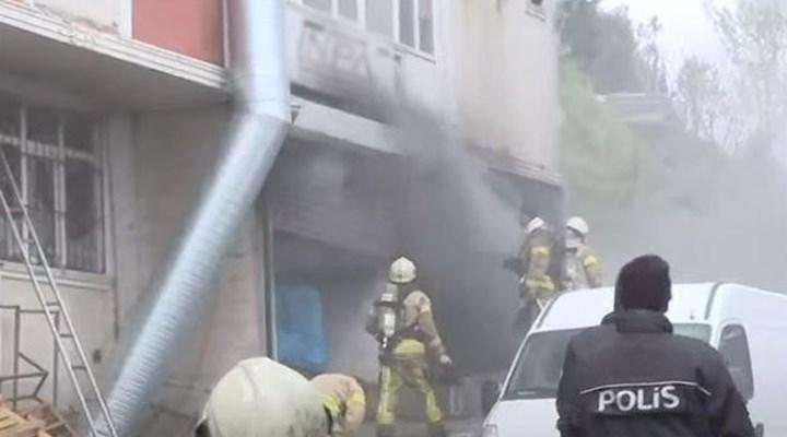 Arnavutköy merkezde bulunan bir hırdavat deposunda çıkan yangında 4 kişi yaşamını yitirdi