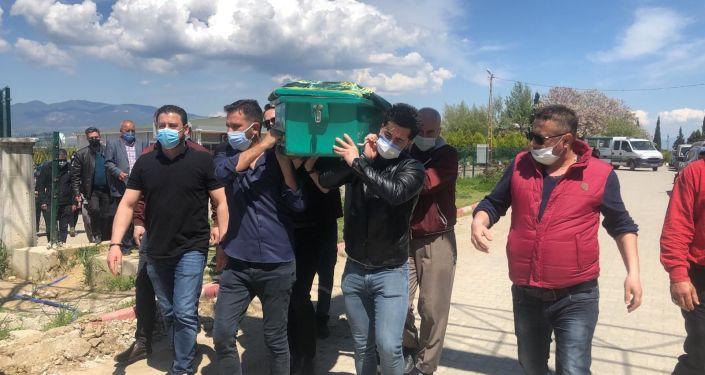 Cenazeler gasilhane'de karıştı, ikinci kez toprağa verildi
