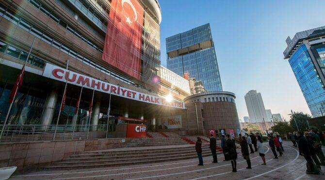 CHP Antalya'da yeni İl Başkanı Nuri Cengiz oldu
