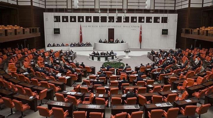 CHP'nin emeklilere 1500 TL ikramiye teklifi, AKP ve MHP'nin oylarıyla reddedildi!