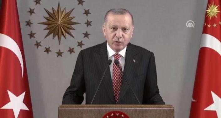 Erdoğan: Türkiye'nin ihtiyacı eser ve hizmet siyasetidir