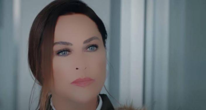 Hülya Avşar'a dizi çekiminde uygulanan 'özel filtre' sosyal medyada gündem oldu