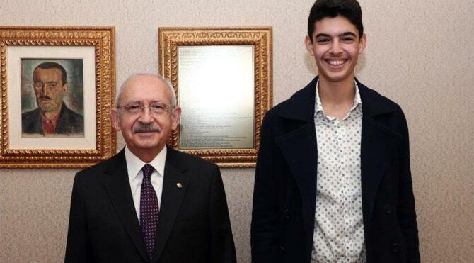 Kılıçdaroğlu, 'Her şey çok güzel olacak' sloganını ortaya çıkaran Berkay ile bir araya geldi