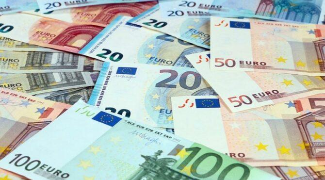 Mobil bankacılık numarasını değiştirip, hesabından 659 bin euro'yu çektiler